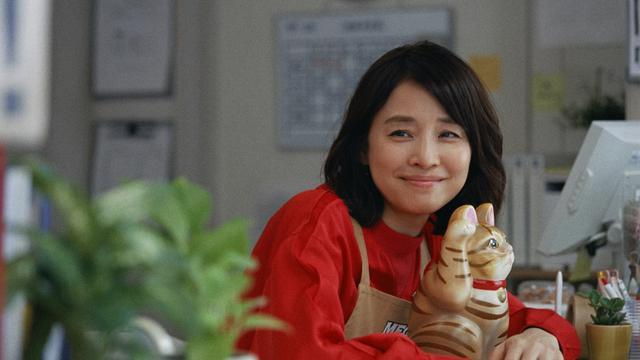 画像: 石田ゆり子「本当に衝撃的」新CMで中川家と共演