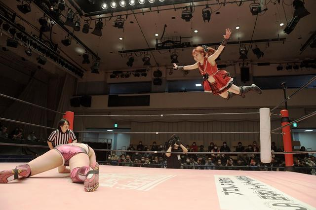 画像: 伊藤麻希が山下実優にKO負け。2年越しのリベンジならず【東京女子プロレス】