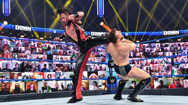 画像: 中邑真輔が王者レインズの策略で王座挑戦権を取り逃がす【WWE】
