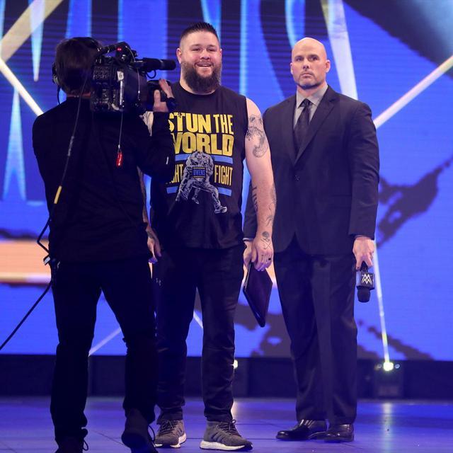画像: ピアースの策略でオーエンズがレインズとのユニバーサル王座戦に代理出場【WWE】