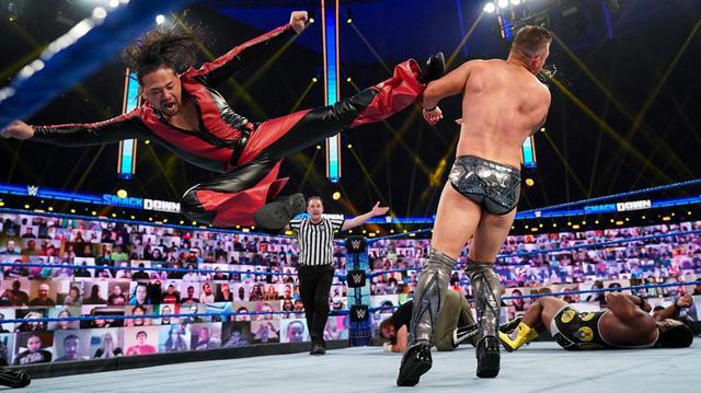画像: 中邑真輔、AJスタイルズらが男子30人RR戦の前哨戦で大暴れ【WWE】
