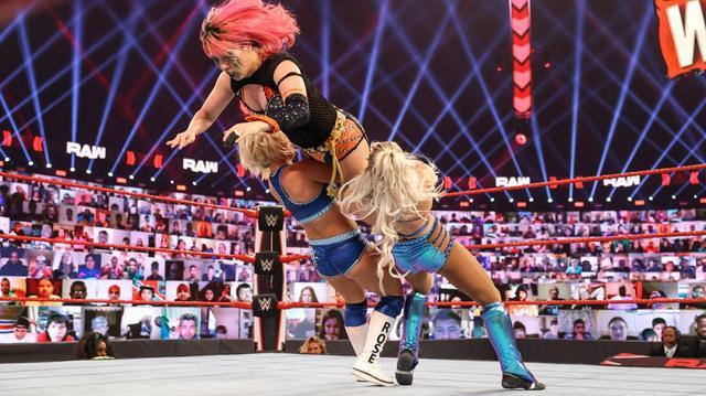 画像: 父リック・フレアーが連日、娘シャーロットの試合を妨害【WWE】
