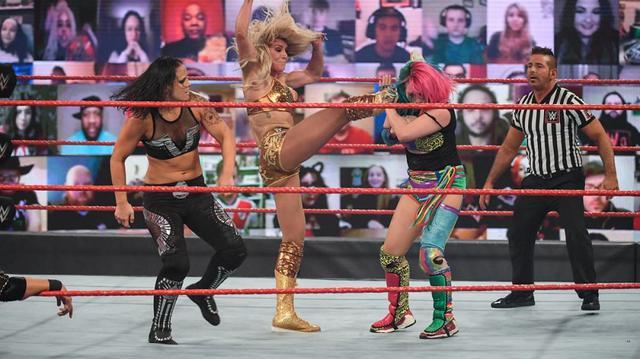 画像: シャーロットがアスカと仲間割れ。愛人妊娠疑惑の父リック・フレアーには離別を宣言【WWE】