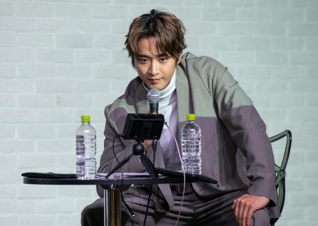 画像: 劇団EXILE 佐藤寛太「飛行機って夢を運んでる」SMALL WORLDSフォトコンで特別審査員