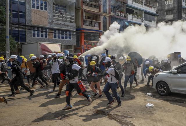 画像: ミャンマーでデモ隊18人死亡