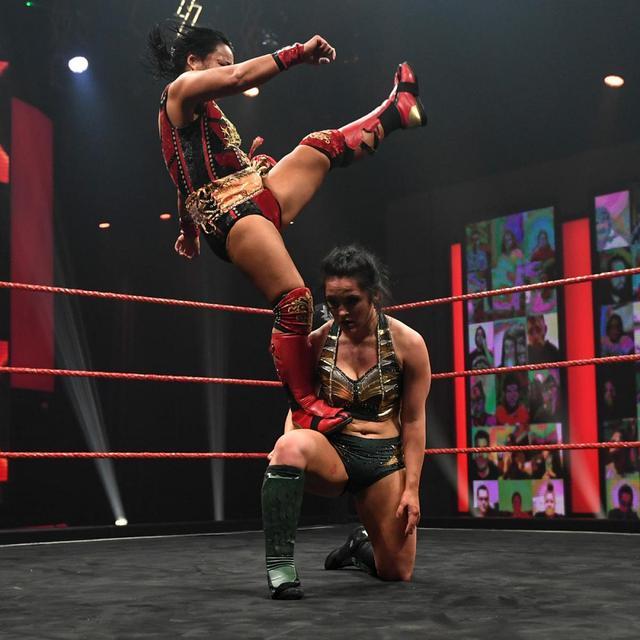 画像: 里村明衣子が無敗のイーファ・ヴァルキリーをスコーピオライジングで撃破【NXT UK】