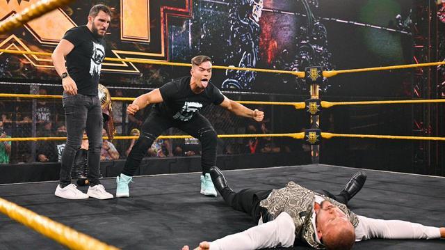 画像: ベイラーらとの乱闘を制した王者クロスをガルガノ&セオリーが襲撃KO【WWE NXT】