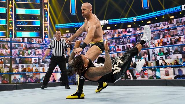 画像: セザーロがPPV王座戦を前に王者レインズを一蹴【WWE】