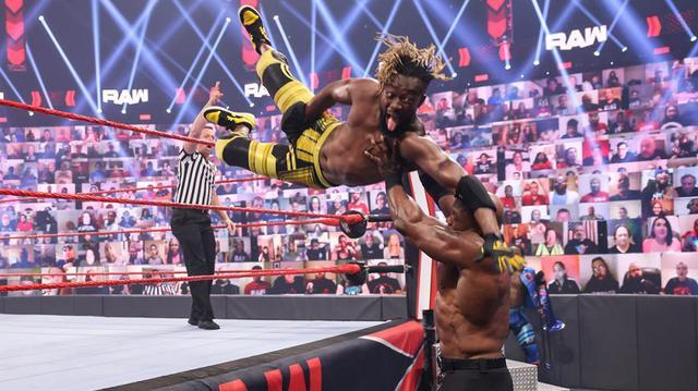 画像: 王者ラシュリーがマッキンタイアの介入でオープンチャレンジ敗戦も王座移動なし【WWE】
