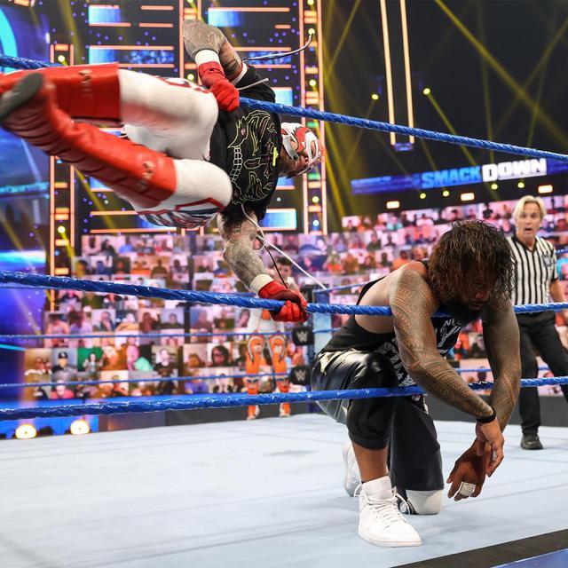 画像: 一族の長ローマン・レインズの暴挙にウーソズも愛想?「もう十分だ」【WWE】