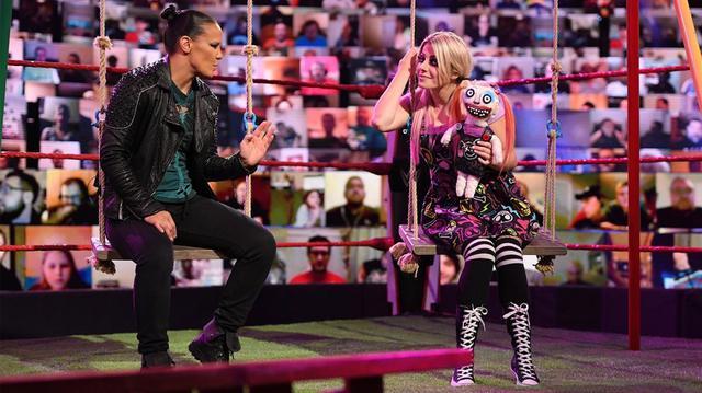 """画像: """"小悪魔""""アレクサ・ブリス&リリーが怪奇現象でシェイナにお仕置き【WWE】"""