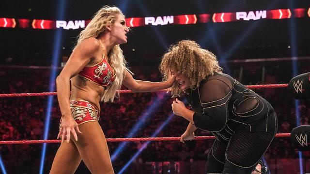 """画像: """"女王""""シャーロットと""""小悪魔""""アレクサのロウ女子王座戦がPPV「エクストリーム・ルールズ」で決定【WWE】"""