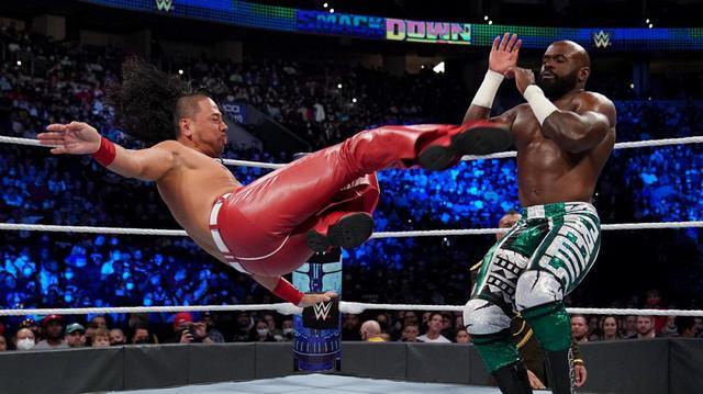 画像: 中邑真輔が前王者クルーズを下してIC王座防衛に成功【WWE】