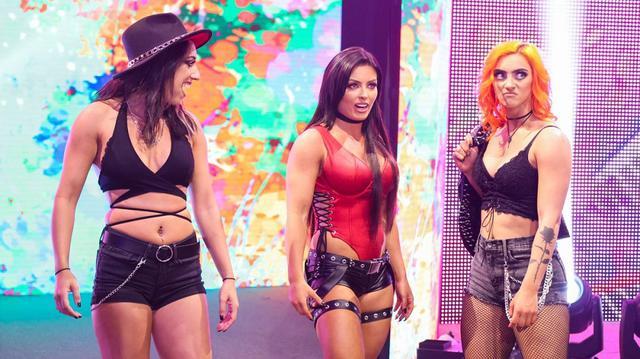 画像: タッグ王者・紫雷イオ&ゾーイがトキシック・アトラクションと一触即発!【WWE NXT】