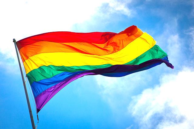 画像: アメリカ最高裁が同性婚を認める その命令文が美しいと話題に | Fashionsnap.com