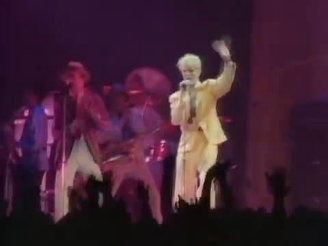 画像: David Bowie - Modern Love www.youtube.com