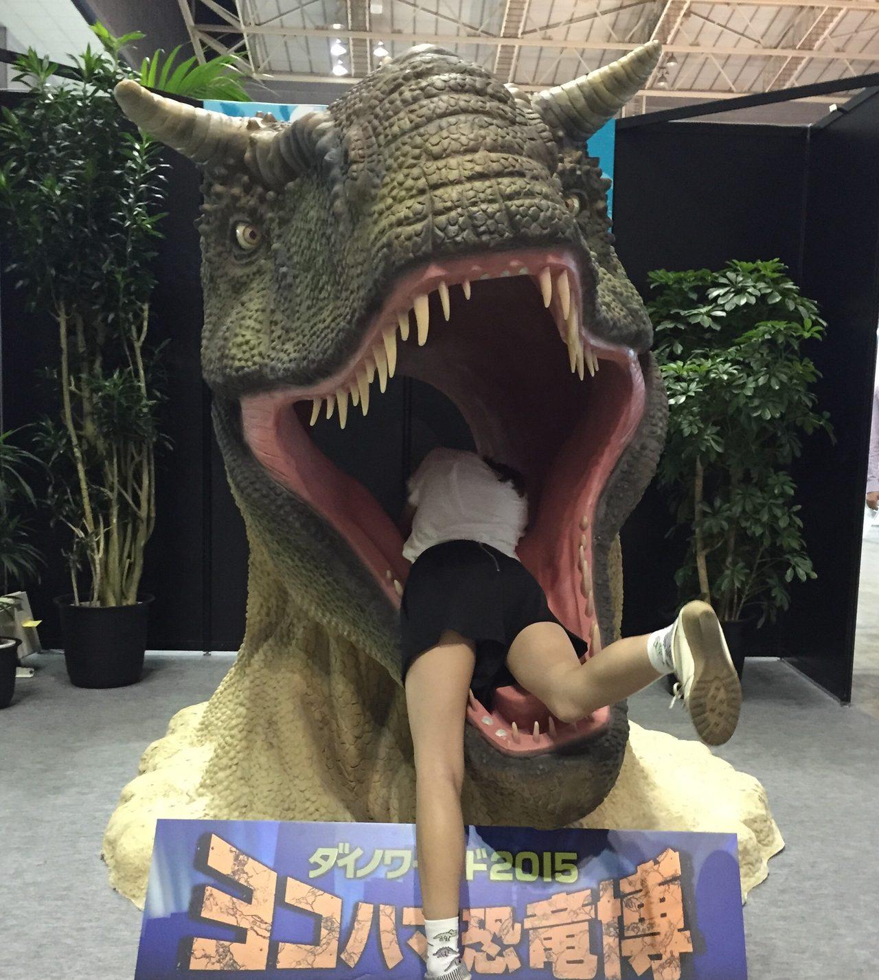 画像: カルノタウルスに飲み込まれる瞬間の生田晴香