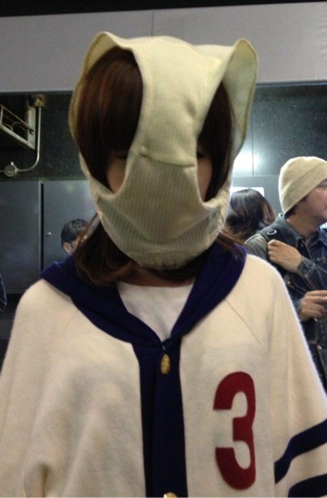 画像: 真面目な話は苦手なので画像だけでもふざけさを出してみました、変態仮面絡みのイベントがあって渋谷で大勢でパンツをかぶるのに参加した生田晴香。