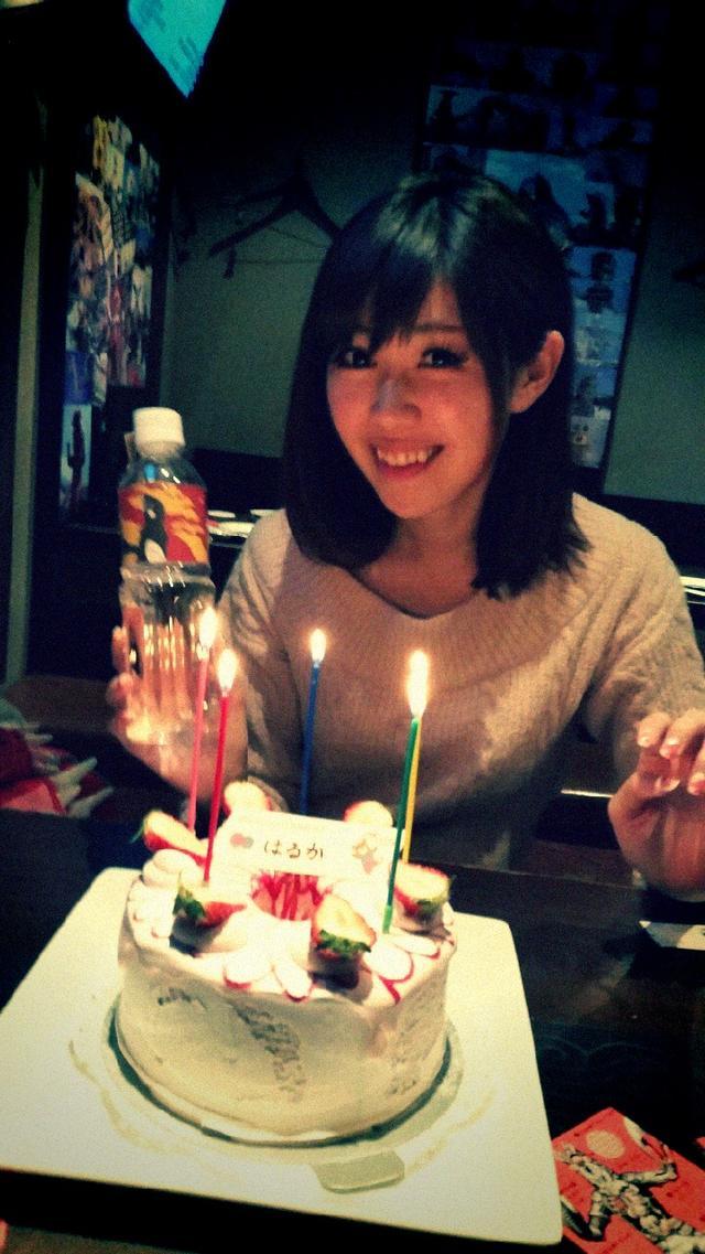 画像: 怪獣酒場で誕生日祝いをしてもらった生田晴香です。誕生日は3/27!
