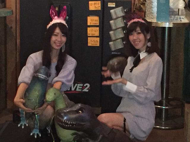 画像: 左はちむ。右は、生田晴香。