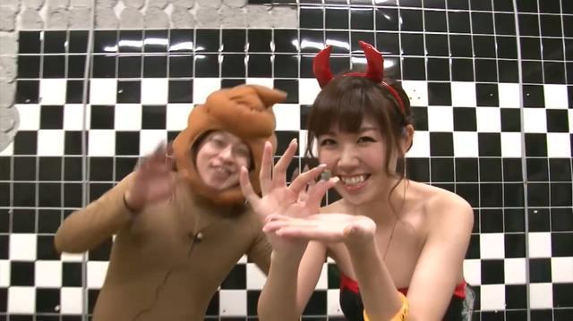 画像: YouTubeサバゲー番組「レベルアップサバゲー!」より。手に持ってるのが恐竜のうんこ。 youtu.be