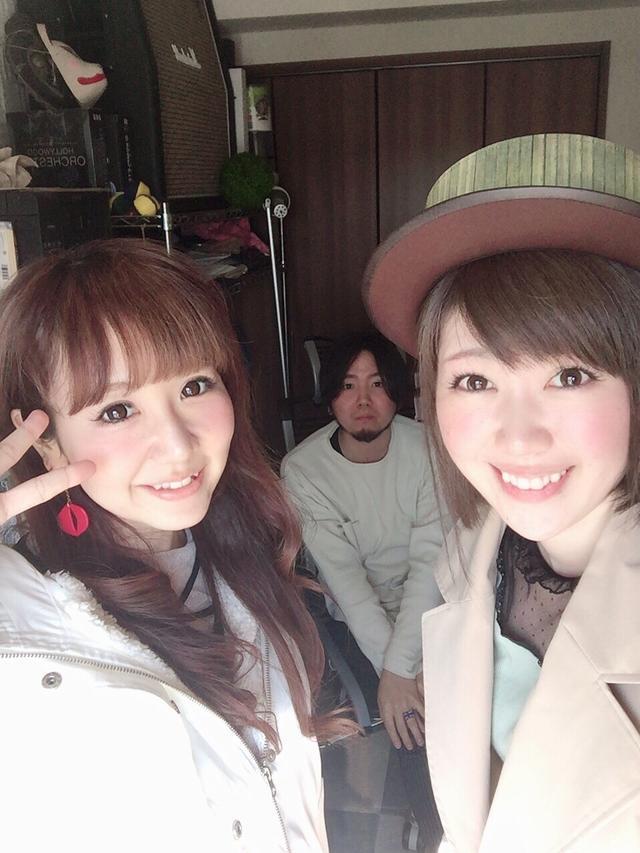 画像: 「ダイナソーDANCE」作詞、作曲、編曲の3人!右から、生田晴香、遠藤ナオキさん、yucatさん 。