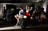 画像2: 「アイドルvsAV監督」悪ノリはどこまで通用!? カンパニー松尾の『劇場版BiSキャノンボール2014』がスゴいわけ。