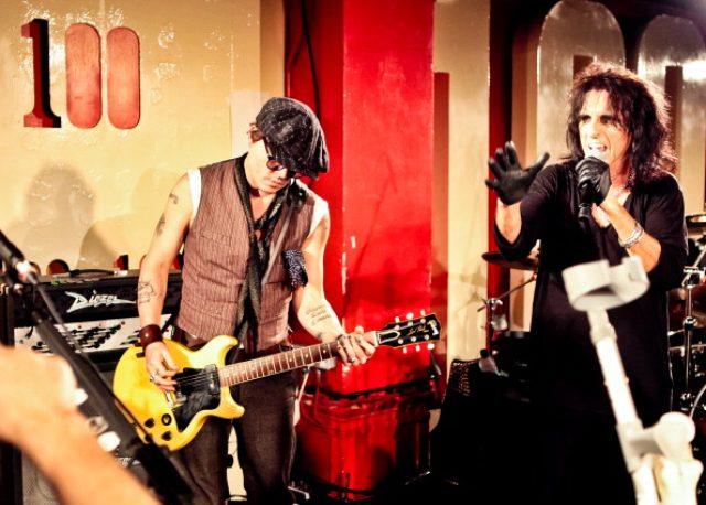 画像1: ジョニー・デップ マリリン・マンソンのライブにサプライズ出演!!!