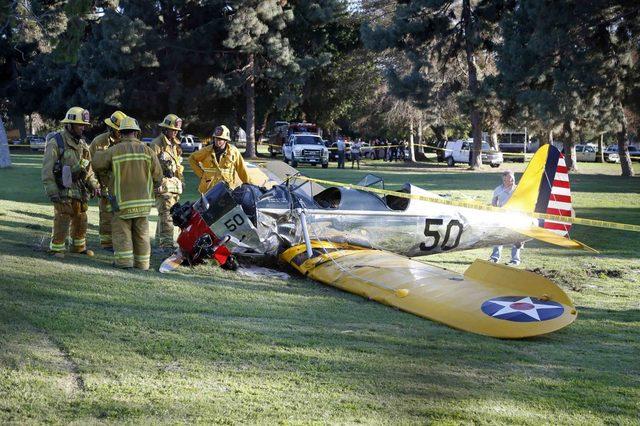 画像: ハリソン・フォードが緊急搬送 小型飛行機が墜落。強打するも命に別状なし。