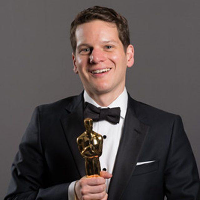 画像: アカデミー賞授賞式で自殺未遂の体験を告白した脚本家グラハム・ムーアが、カンバーバッチの名シーンを明かす