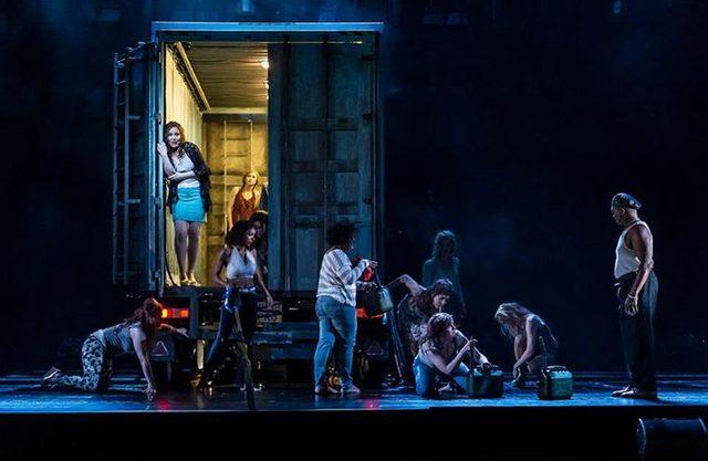 画像: 英国ロイヤル・オペラ・ハウスにクルト・ワイルの名曲が響く 『マハゴニー市の興亡』 英国ロイヤル・オペラ・ハウス  ライブ・シネマ・シーズン 2014/15