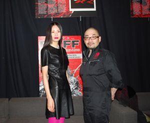 画像: 西村喜廣監督と出演のしいなえいひ http://www.cinematopics.com/cinema/c_report/index3.php?number=8956