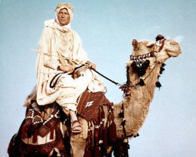 画像: http://www.usmagazine.com/entertainment/news/lawrence-of-arabia-restored-for-50th-anniversary-2012217