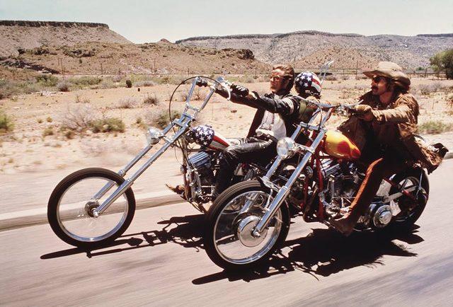 画像: http://www.uncut.co.uk/news/peter-fonda-s-easy-rider-harley-davidson-up-for-auction-4044