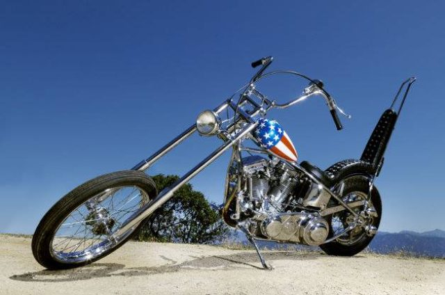 画像: http://jp.autoblog.com/2014/10/24/harley-davidson-captain-america-easy-rider-auction/
