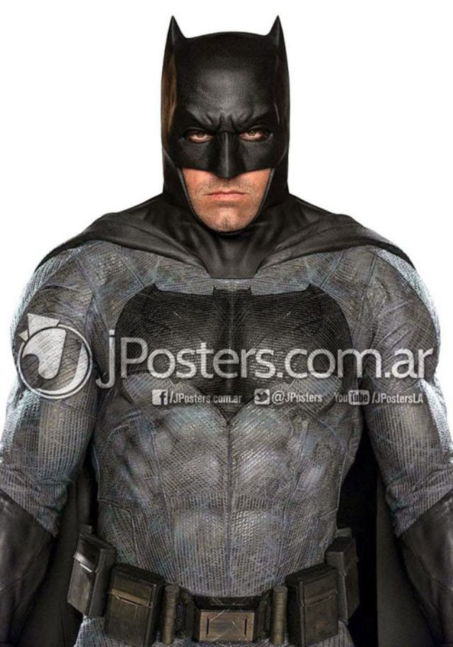 画像: http://batman-news.com/2015/04/29/ben-affleck-batman-full-color-photo/