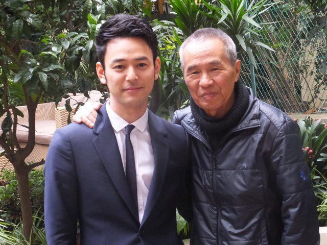 画像: ホウ・シャオシェン監督8年越しの武侠映画『黒衣の刺客』に出演の妻夫木聡と。