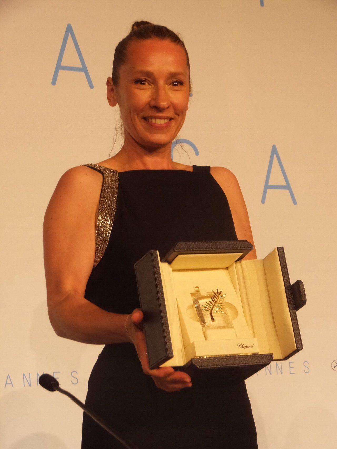 画像: 女優賞のエマニュエル・ベルコ