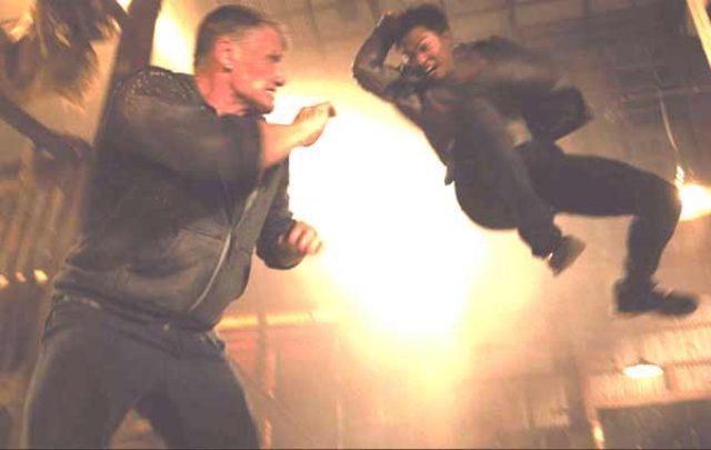 画像: アクション界の2大核弾頭、ラングレンVSトニー・ジャー!夢の暴力映画『バトルヒート』