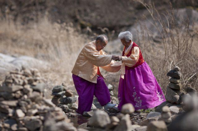 画像: My love, Don't Cross That River tickets.lafilmfest.com