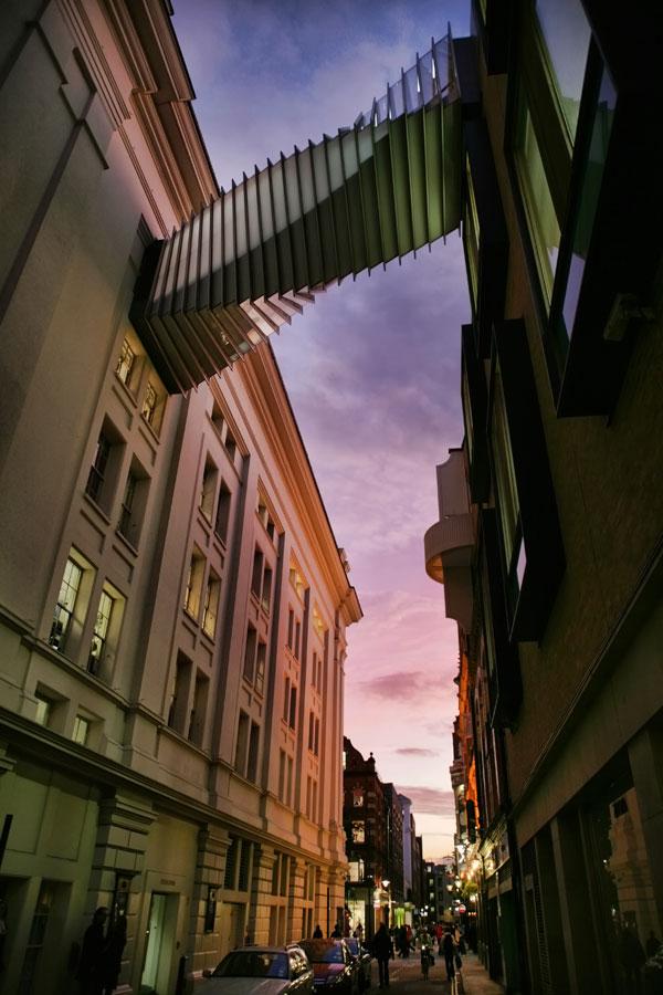 画像: ロイヤル オペラ ハウスとバレエ スクールを繋ぐ「The Bridge of Aspiration」 www.royalballetschool.org.uk
