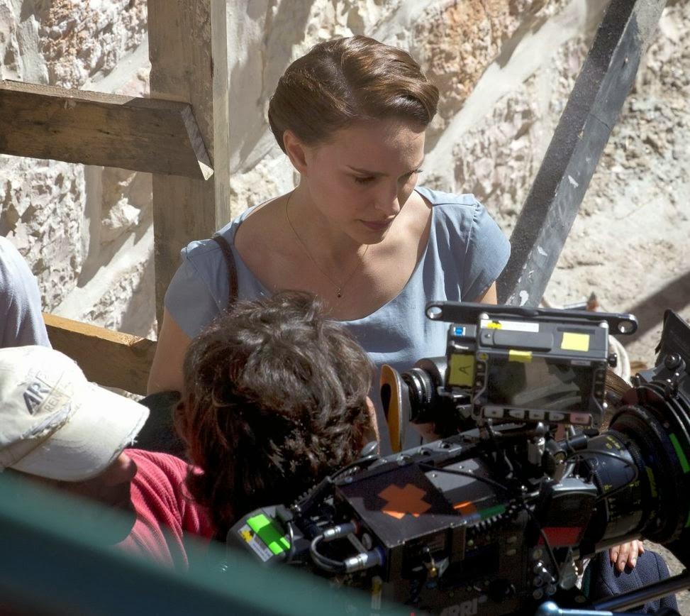 画像: CIA☆こちら映画中央情報局です: A Tale of Love and Darkness: ナタリー・ポートマンが初めて長編映画の監督に挑む最新出演作の伝記映画「ア・テイル・オブ・ラブ・アンド・ダークネス」のセット・フォト!! - 映画諜報部員のレアな映画情報・映画批評のブログです