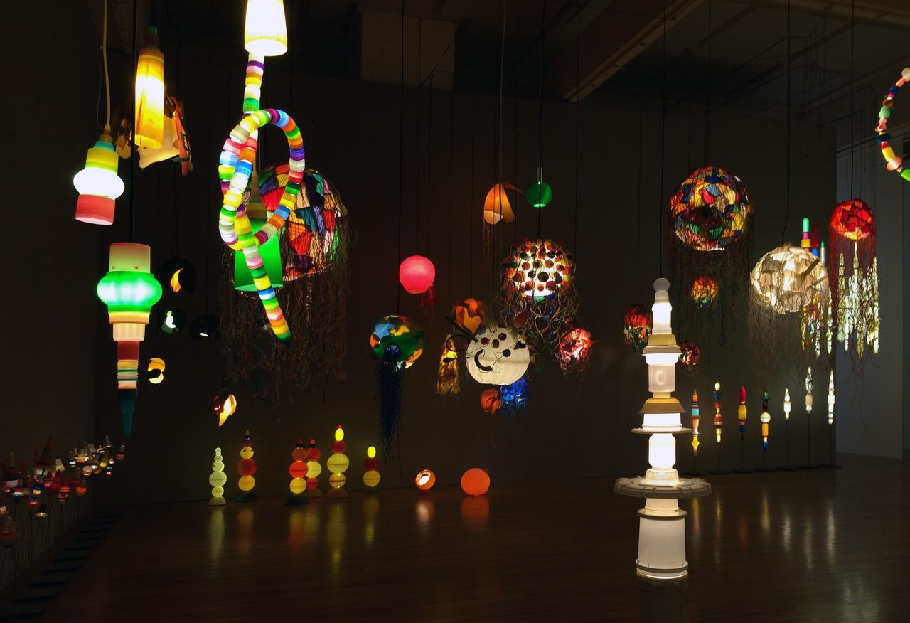 画像: 製作されたランプの数々(C)cinefil art review