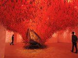 """画像: Shioda Chiharu """"The Key in the Hand"""" Installation ©yuzo ueda -cinefil"""