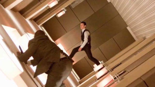 画像: 映画「インセプション」の夢の中で天井と床が逆転するホテル内の戦闘シーンはどうやって撮影されたのか?