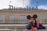 画像: 'Welcome to Dismaland': Banksy's Strange Theme Park