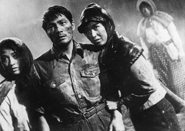 画像1: 『ひめゆりの塔』 1953(昭和28)年東映作品/127分