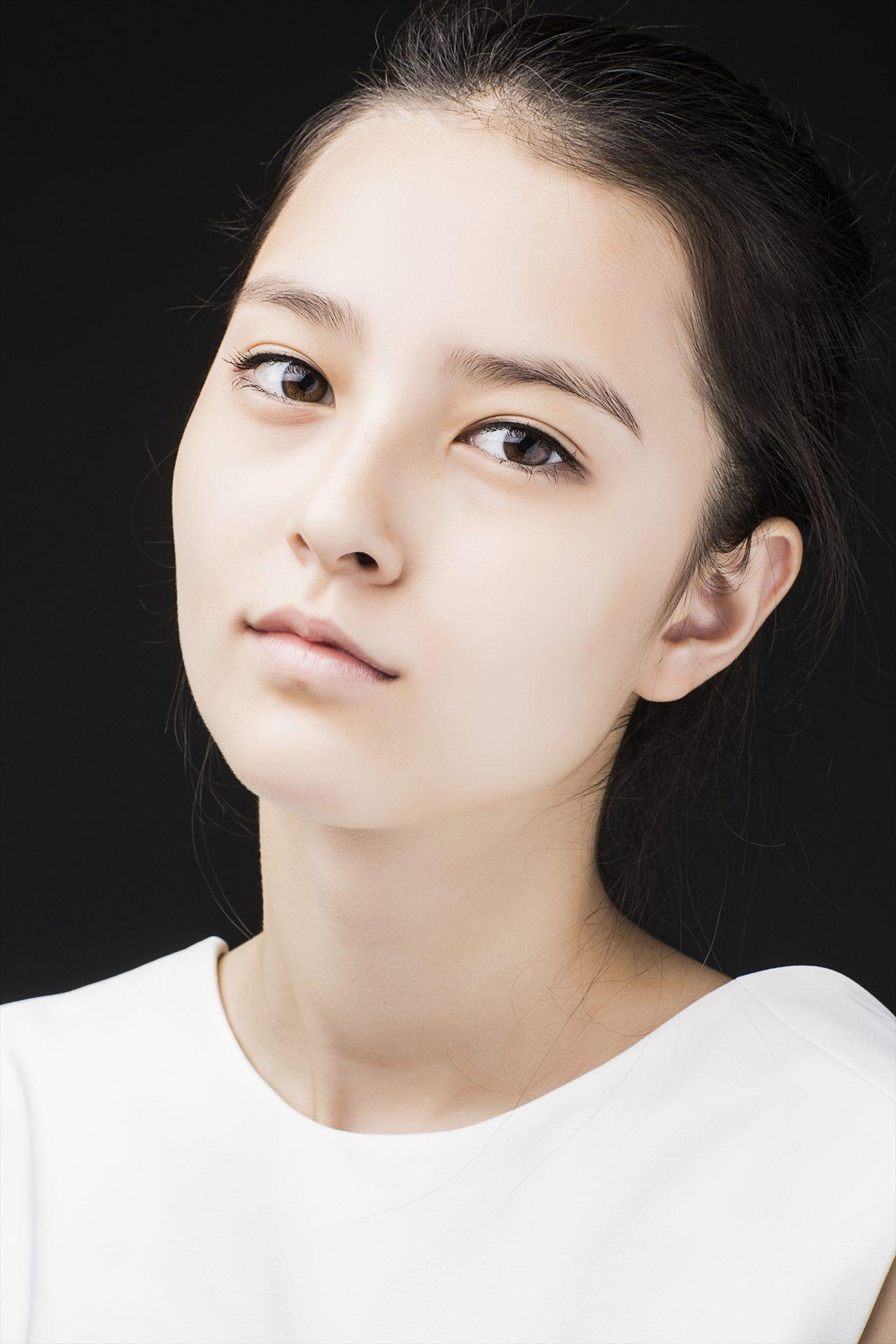 画像: 17歳となった現在のエリーナ・アン