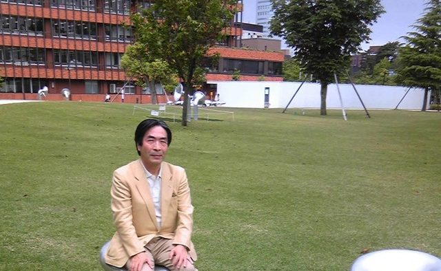 画像: 著者近影 金沢二十世紀美術館にて