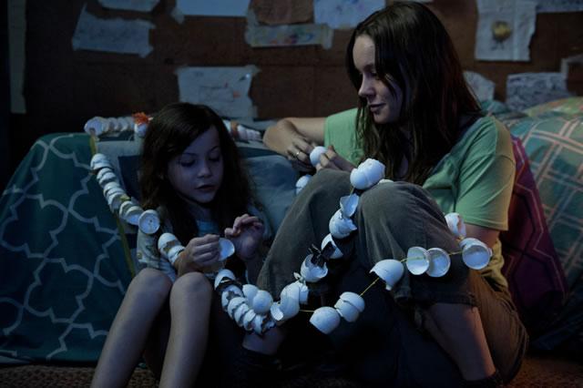 画像1: http://www.comingsoon.net/movies/trailers/611874-watch-trailer-for-room-starring-brie-larson-from-the-director-of-frank